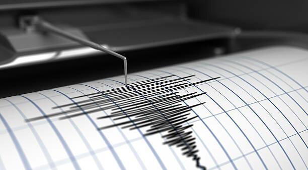 ثبت دو زمین لرزه با بزرگای بیش از 4 در استان فارس، 10 استان زلزله بیش از 3 ریشتر تجربه کردند
