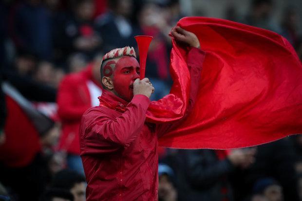 شعار تماشاگران پرسپولیس علیه مدیرعامل باشگاه
